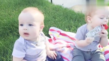 家庭幽默录像:当妈妈不在身边的时候,看看孩