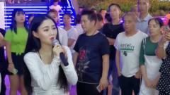 网红美女翻唱《最亲的人》,歌甜人美不输中国
