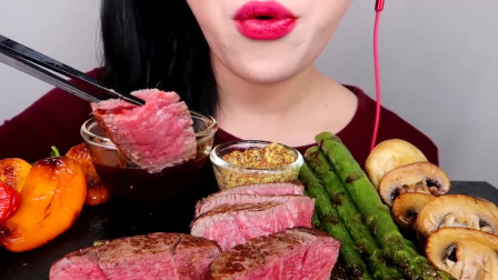 吃货大胃王:韩国美女姐姐吃牛排,全程不说话