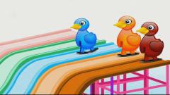 儿童益智动画:小鸭子玩滑滑梯游戏