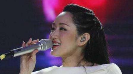 杨钰莹这首歌曲90年代非常流行,如今再次重温仿