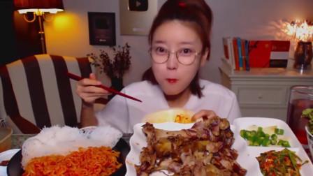 大胃王:韩国美女来吃播了,吃韩国猪蹄,吃急