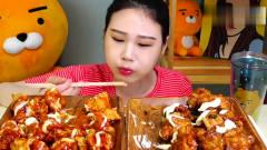 韩国美女卡妹吃播炸鸡居然用筷子吃,太文雅了
