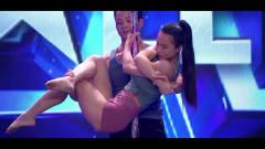 中国达人秀:拐个媳妇回家跳钢管舞,深情一吻