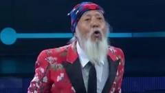 北京天坛大爷紧追潮流,77岁是网络红人,现场幽