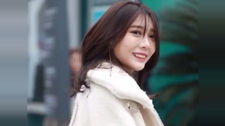 重庆街头街拍到的美女,这气质怕是大哥的女人