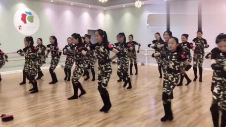 拉丁舞:我爱你祖国拉丁班成品集体舞