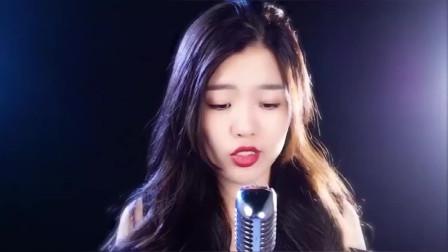 美女翻唱一曲网络红歌《年轮说》唱的真心好听