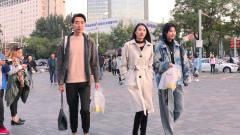 街拍:秋冬换季怎么穿显时尚?