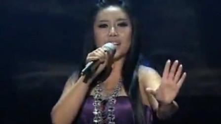 素人美女翻唱《信天游》,歌声狂野摇滚,致敬
