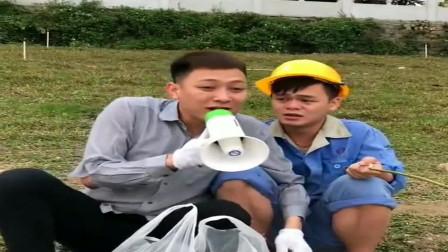 广西老表搞笑视频,湿水泡钓鱼没有鱼上钩,老