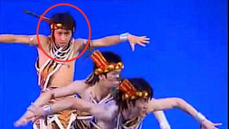 25岁韩庚跳舞视频流出,韩国综艺展现民族舞,侧
