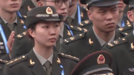 """""""王牌副攻""""袁心玥,军衔竟这么高,《新闻联"""