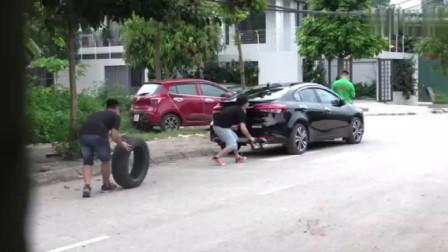 老外恶搞偷轮胎,看各车主反应