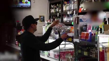 恶搞-魔术师到超市神不知鬼不觉地偷东西!最后
