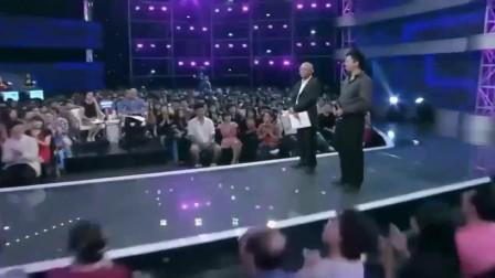 男嘉宾自称在博士中舞跳得最好,却遭女博士热