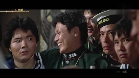 A计划:陆军和海军在酒吧相互嘲讽,美女一句话