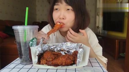 美女吃播韩国甜辣味炸鸡加可乐真的绝了哈哈哈
