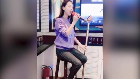 现在的网友太厉害了, KTV美女聚会翻唱,嗓音真是