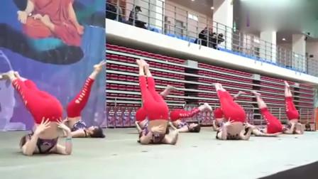 瑜伽大赛韩国美女惊艳出场,动作难度系数非常