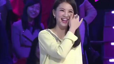 韩国美女和韩栋表演小剧情美女对着韩栋撒娇: