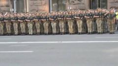 乌克兰阅兵,气势堪比中国女兵,真是一道靓丽