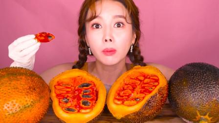来自韩国的美女主播,吃来自天堂的神奇水果,