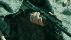 不吹不黑,同是军事题材,这部电影比战狼系列