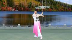 美女执伞跳一支唯美优雅的舞曲《遇见旗袍》动