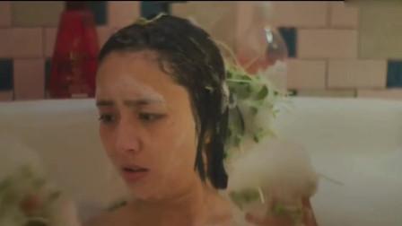 美女洗着洗着突然出来这么多嫩豆芽,小伙打开