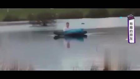 家庭幽默录像:把睡梦中的朋友,推到河上?老