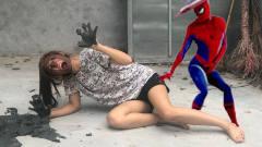 自制蜘蛛侠:蜘蛛侠穿着隐形衣恶搞女友,不怕