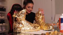 国外女子恶搞丈夫,给40万鞋子镀金,丈夫的反应