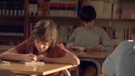 法国创意广告短片《迟到的初恋》,爱情总会来