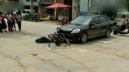 美女骑电动车想穿过马路,谁知天降横祸,监控