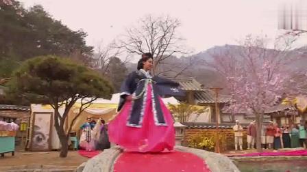 张玉贞:韩国自然美女金泰熙古装服装秀,不愧