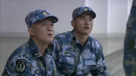 火蓝刀锋:蒋小鱼三人站军姿争队长,沈鸽到来