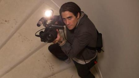 一个小偷靠偷拍新闻当上了电视台名记者,为了抢新闻害死助手