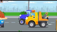 工程车搞笑动画 警车和吊车铲车做草莓蛋糕