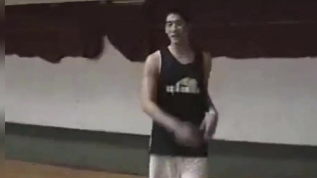 高以翔20岁打篮球视频,没想到技术这么好!