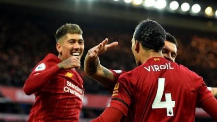 英超-范迪克头球双响阿利森染红,利物浦2-1布莱顿14轮不败