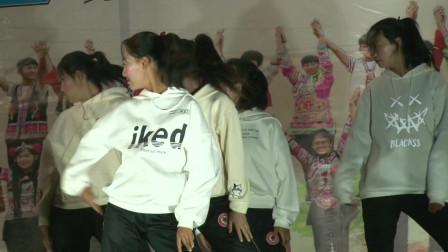 云南省武定民族中学2019年体育艺术节文艺文艺晚