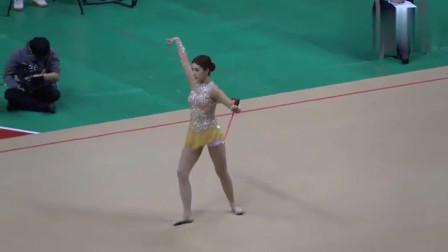 韩国美女表演的艺术体操,让人眼前一亮!