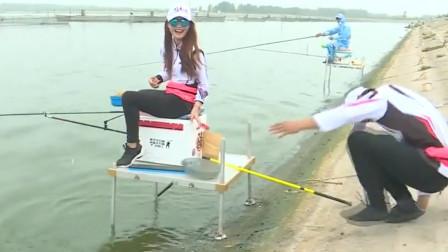 为了给美女递条鱼,差点滑进水里,众人都哈哈