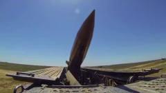 军事:俄罗斯发射火箭弹和战术导弹,两型导弹