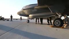 """军事:将制导武器装进F-35""""闪电""""弹仓"""