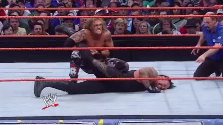 WWE:送葬者最耻辱一战,被艾吉踩在脚下羞辱,