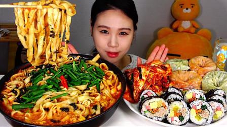 韩国吃播美女:吃超辣金枪鱼汤面、寿司、包子