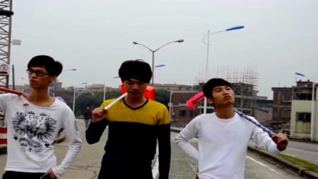 广西老表搞笑视频:许华升带小弟做环卫工,过