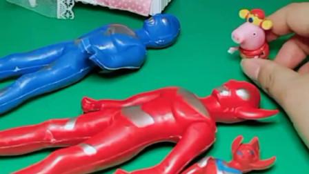 乔治不想玩奥特曼玩具,破坏了奥特曼玩具,乔治就想要新玩具!